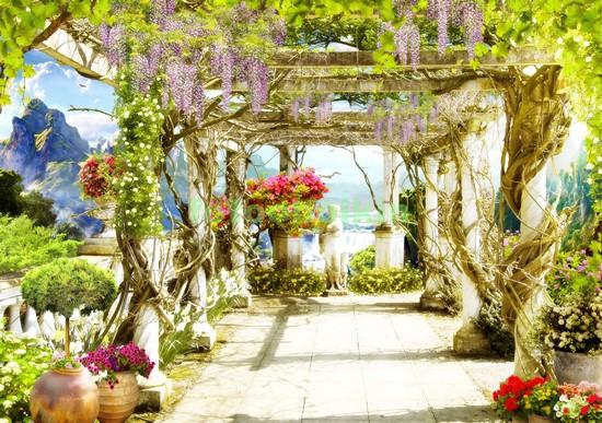 Беседка с вьющимися цветами