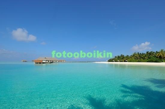 Голубое теплое море