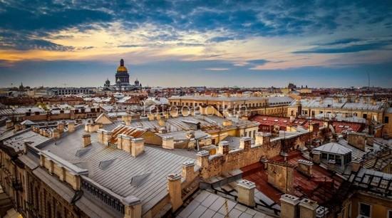 Вид на крыши Петербурга