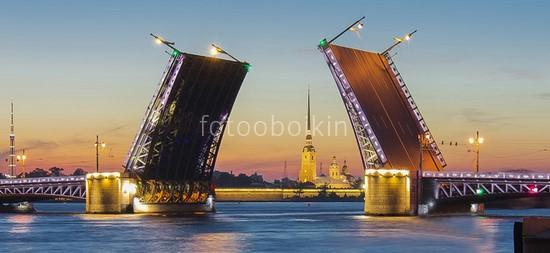 Фотообои Дворцовый мост разведенный