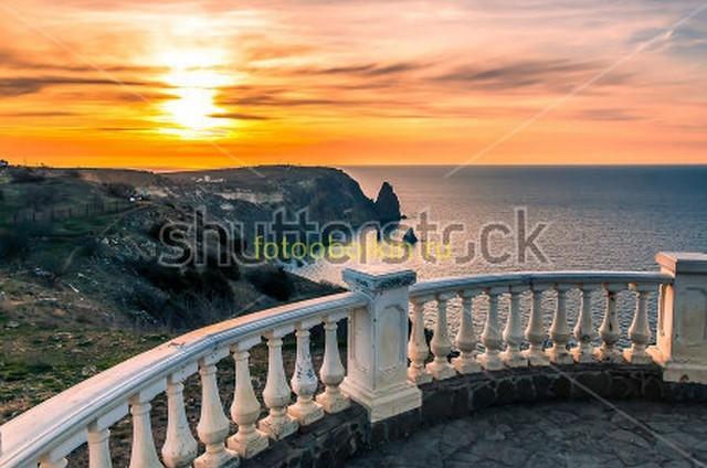 Закат и балкон