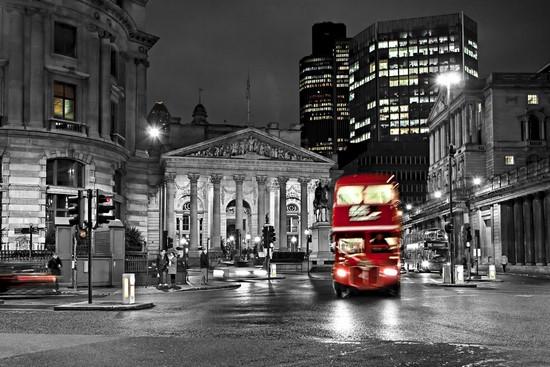 Фотообои Автобус в центре города