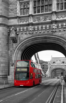 Лондон. Автобус на мосту