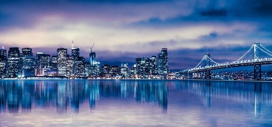 Город в синей гамме