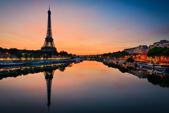 Вид на реку в Париже