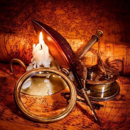 Свеча с пером