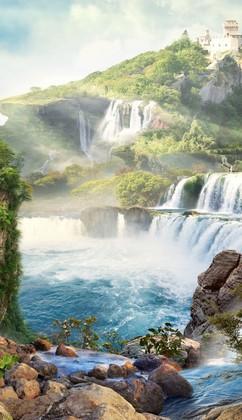 Горячий источник у водопадов
