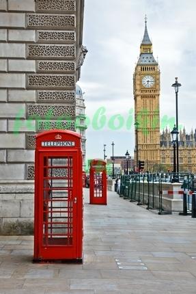 Телефонная будка на фоне Биг Бена