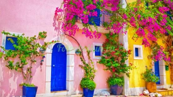 Розовый домик