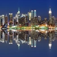 Нью-Йорк отражение в воде