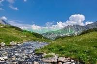 Бурная речка в горах