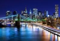 Нью-Йорк на фоне синего неба