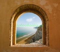 Окно с видом на море