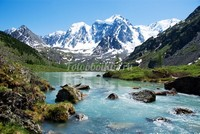 Река в Алтайских горах