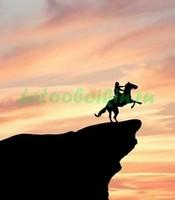 Конь на скале