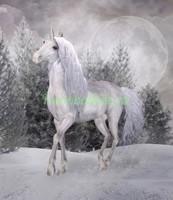 Белый единорог в снегу