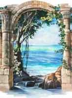 Арка у голубого моря