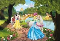 Принцессы в парке