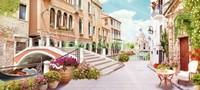 Мостик с цветами в Венеции
