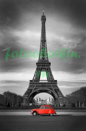 Эйфелева башня и красная машинка