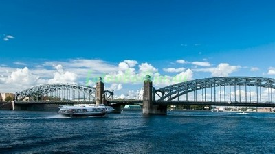 Большеохтинский мост  днем