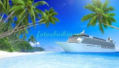 Белый корабль в море
