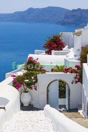 Белая арка в Греции