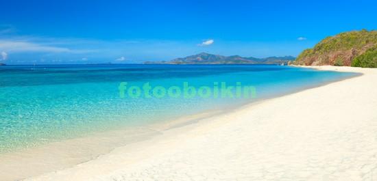 Голубое море белый песок