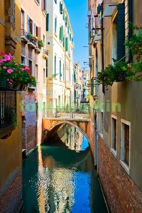 Венеция узкий канал