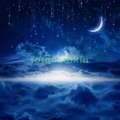 Падающие звезды в небе