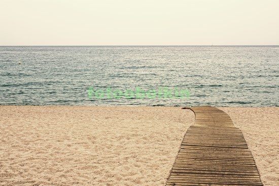 Пляж осенью