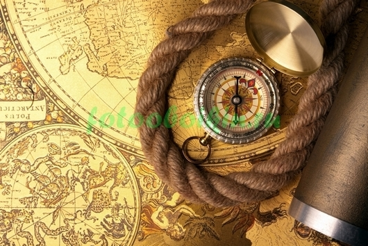 Морской канат и компас