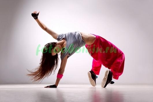 Девушка в танце
