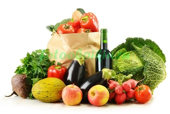 Овощи с бутылкой вина