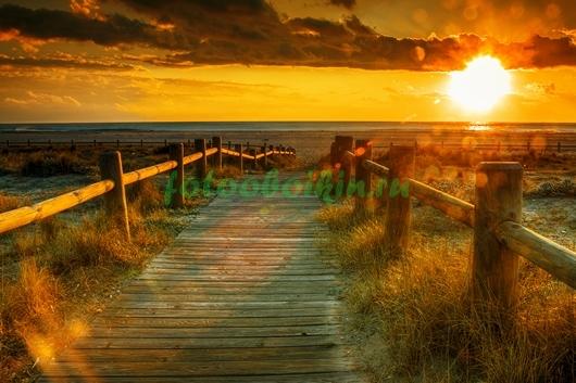 Дорога к морю на закате