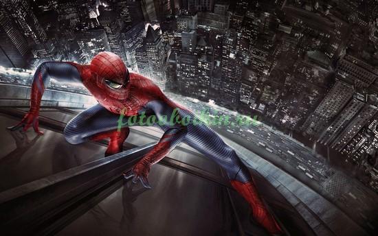 Спайдермен на небоскребе