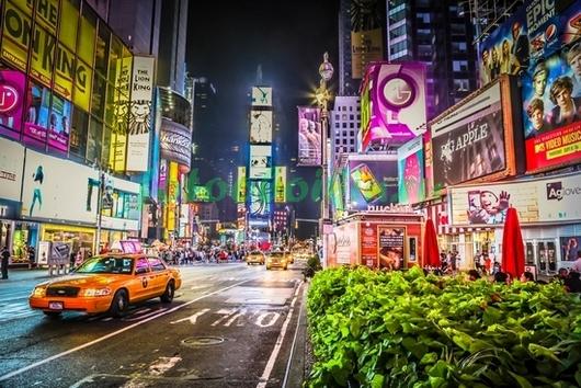 Нью-Йоркская улица ночью
