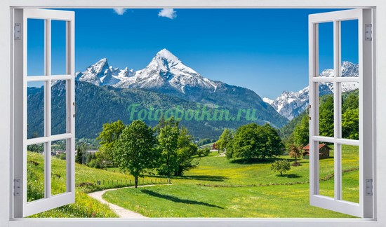 Окно с видом на снежные альпы