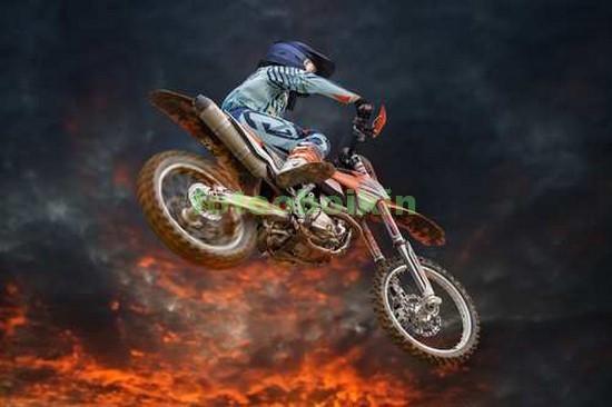 Фотообои Мотоцикл над лавой