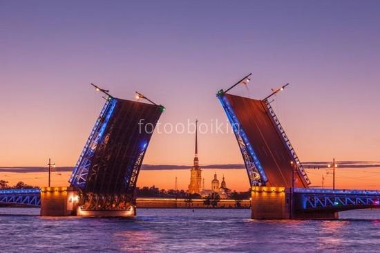 Фотообои Разведенный мост в Петербурге