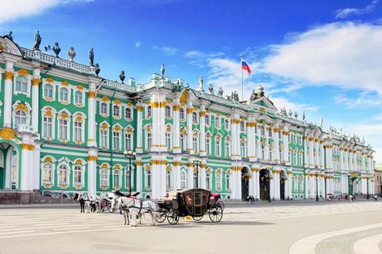 Фотообои Дворцовая площадь с каретой