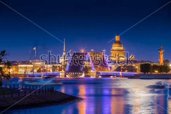 Фотообои Дворцовый мост ночью