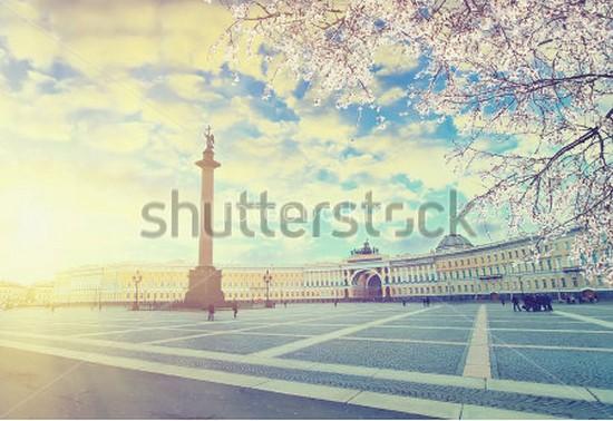 Фотообои Дворцовая площадь весной