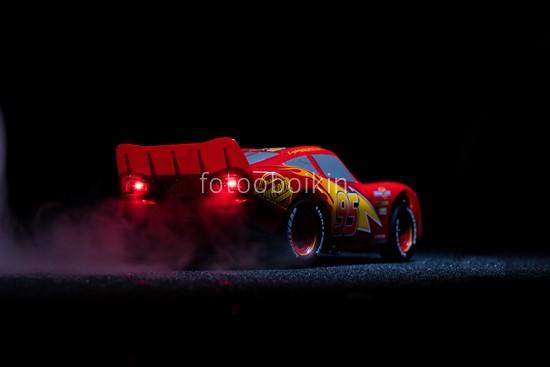 Фотообои Тачки красная машина
