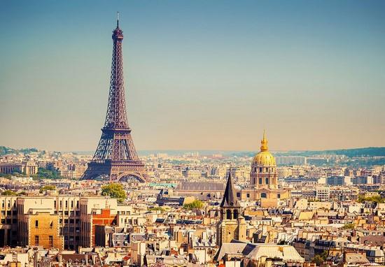 Фотообои Эйфелевая башня в центре города