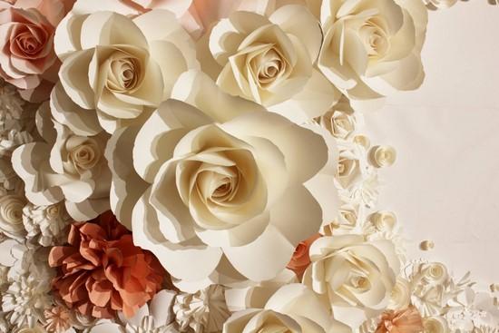 Фотообои Розы и красные цветы на белом фоне