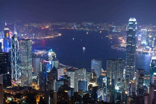 Фотообои Город с сереневым и синем морем