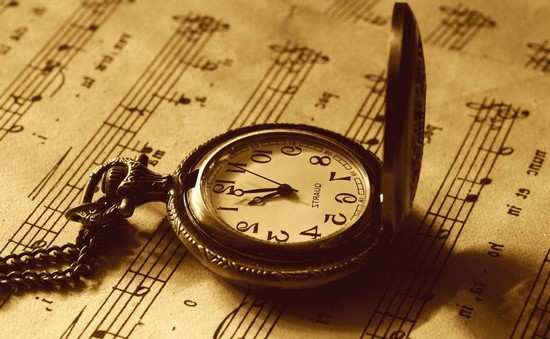 Фотообои Часы на нотах