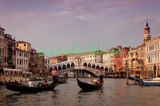 Фотообои Гондолы с туристами