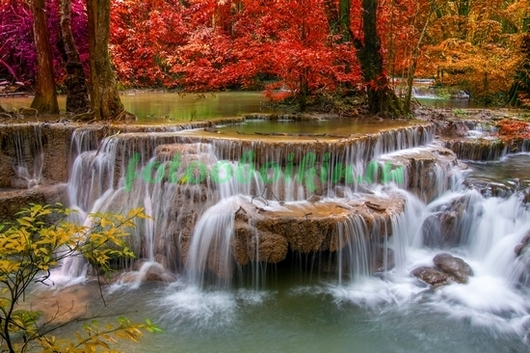 Фотообои Водопад осенью